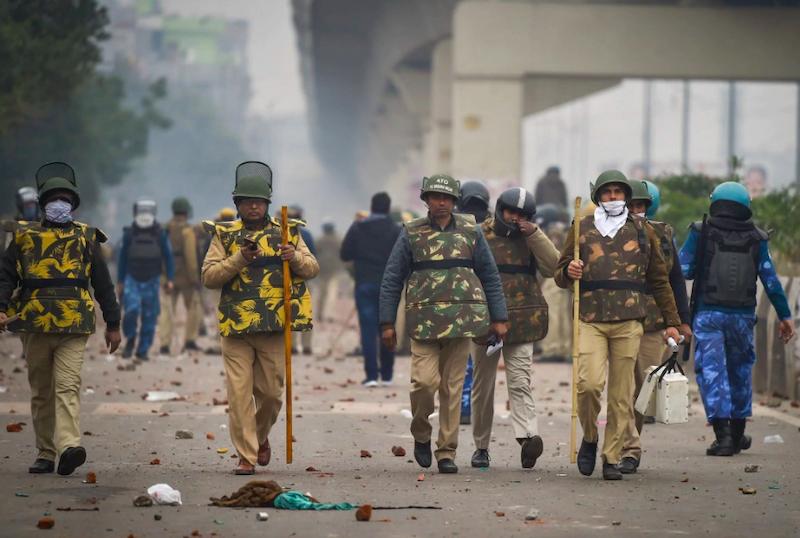 दिल्ली दंगों के दौरान दिल्ली पुलिस।