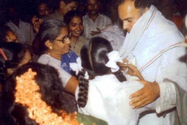 हमले से पहले की राजीव गांधी की तस्वीर।