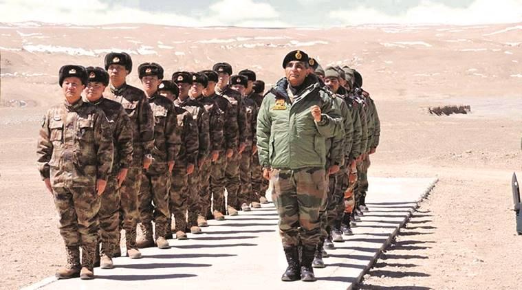 भारतीय और चीनी सैनिक। फाइल फोटो। इंडियन एक्सप्रेस से साभार।